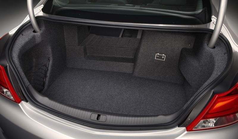 2012-Buick-Regal-with-eAssist-022