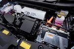 2012_Toyota_Prius_v_001