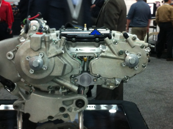 Pinnacle 4-stroke opposed-piston SI engine shows fuel