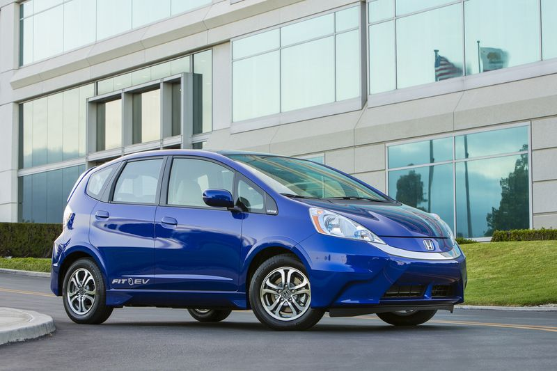 2013_Honda_Fit_EV_001_medium