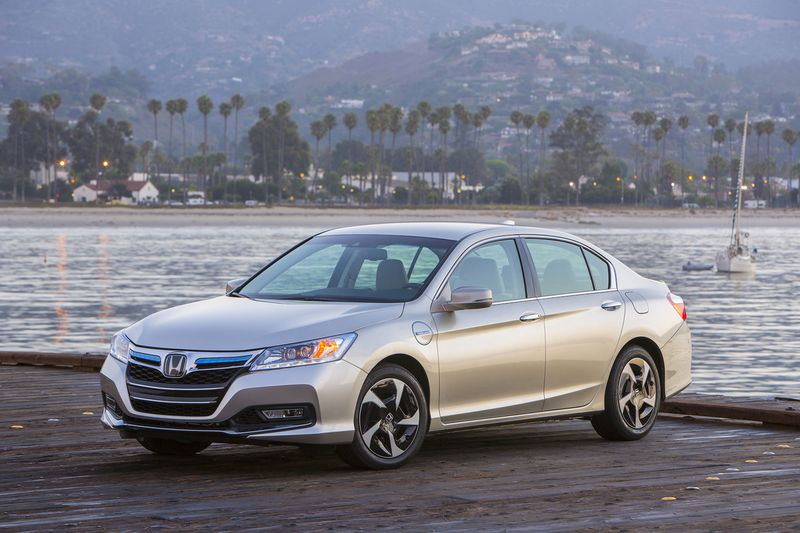 2014_Honda_Accord_PHEV_190_
