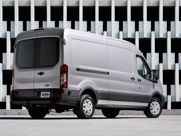 2015 Ford Transit offers fuel economy up to 46% better than old E