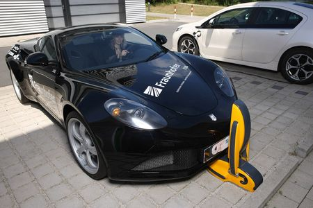 Fk08_2014_IISB_Charging-electric-cars_g