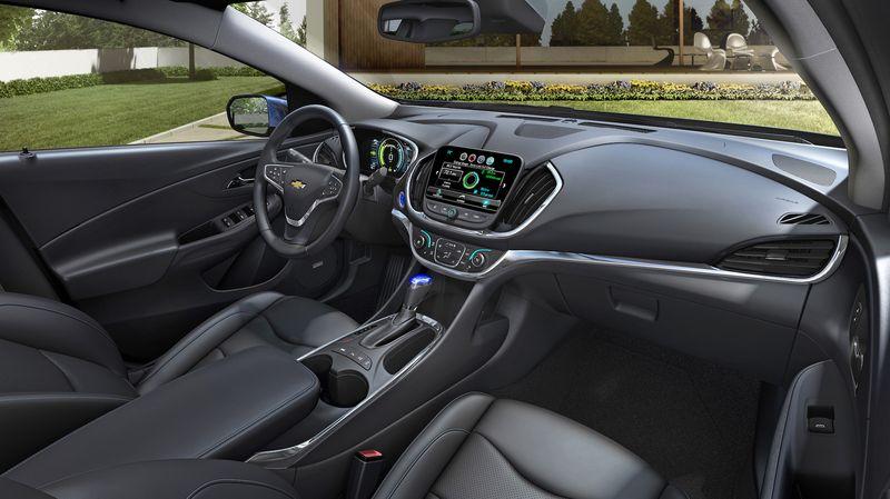 2016-Chevrolet-Volt-008