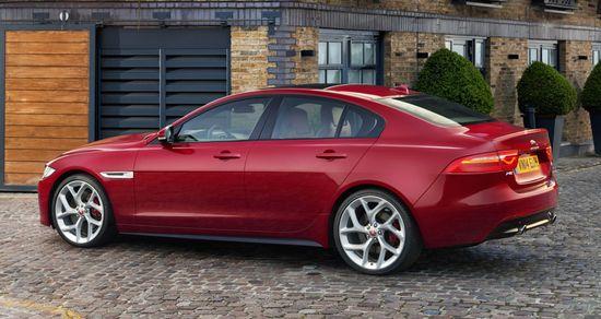 Jaguar_xe_s_london_02