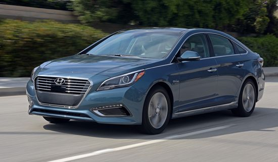 2016 Hyundai Sonata Plug In Hybrid Coming To Market With Epa Estimated 27 Mile Electric Range Starts At 34 600