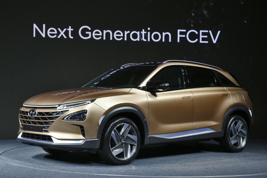 170817 Hyundai Motor's Next-Gen Fuel Cell SUV_2-2