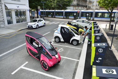 Toyota and partners launch Cité lib by Ha:mo EV car sharing in Grenoble