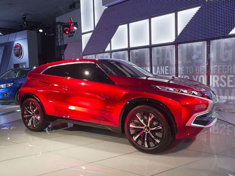Mitsubishi-concept-Mitsubishi shows XR-PHEV concept at LA Show