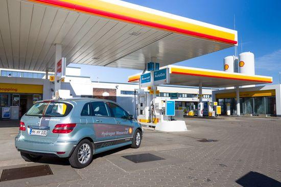 H2station-shell-hamburg-hydrogen-fueling-station