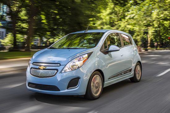 2015-Chevrolet-SparkEV-030