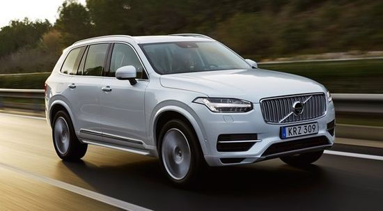 158237_The_new_Volvo_XC90_T8_Twin_Engine_petrol_plug_in_hybrid_driven_in_Tarragona