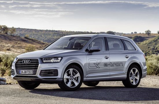 Audi Q7 E Tron 3 0 Tdi Quattro Plug In Hybrid The Features A Six Cylinder Engine And Drive That Deliver 275 Kw 373 Hp Of