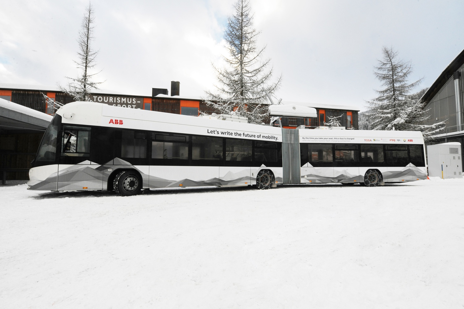 ABB brings TOSA e-bus and flash charging to Davos; first use in Alpine region