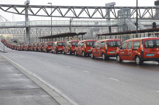 Norwegian postal service orders 240 Renault electric Kangoo Maxi Z.E.s.