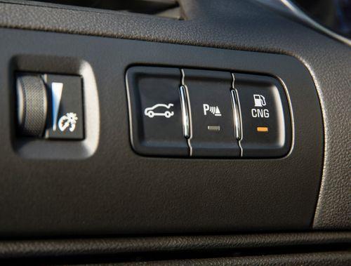 2015-Chevrolet-ImpalaBi-Fuel-006-medium