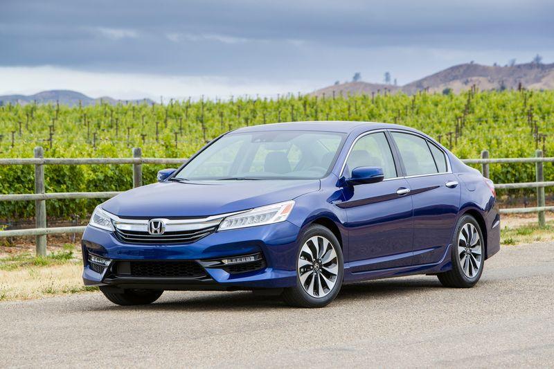 2017_Honda_Accord_Hybrid___1
