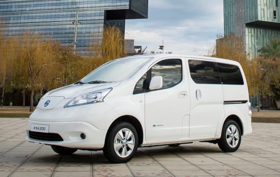 426205627_Nissan_world_premiere_of_new_longer_range_e_NV200_van