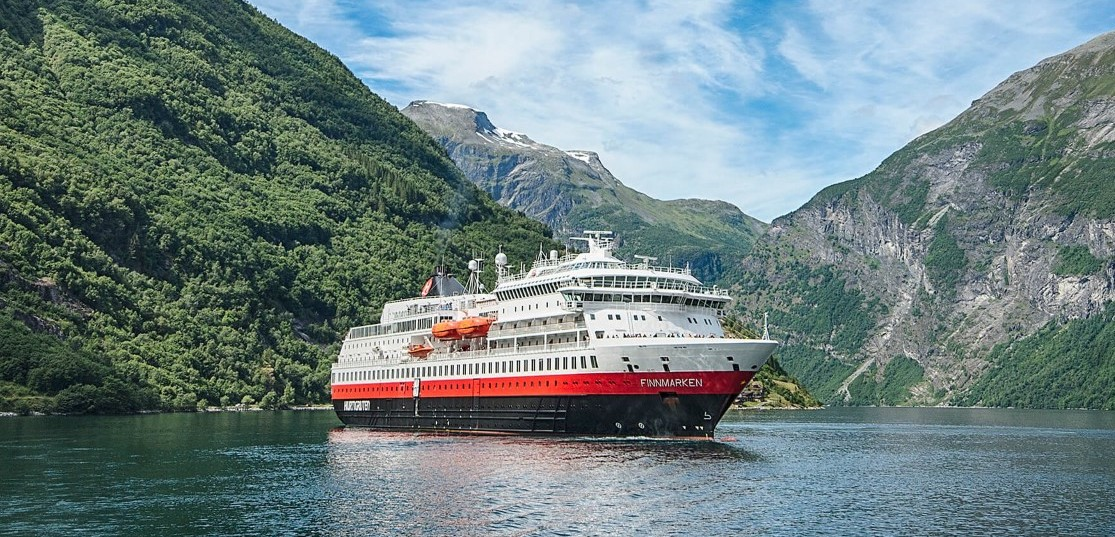 Hurtigruten to contract Rolls-Royce to upgrade nine cruise ships from diesel to hybrid gas power