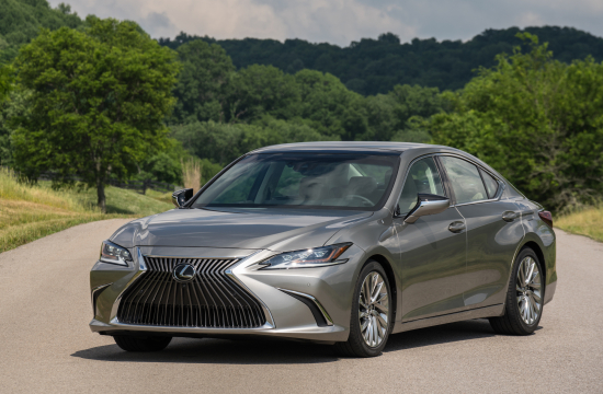 Most Fuel Efficient Luxury Vehicle Without A Plug 2019 Lexus Es 300h Exterior 04 47e0f9c2236585612433a84b9a50f5eae6438ad0