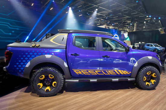 Nissan Frontier Sentinel Pickup Concept Unveiled In São Paulo Two Leaf Battery Packs