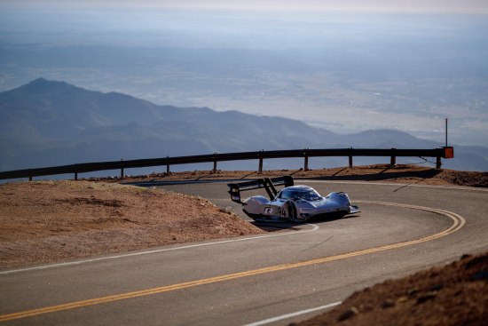 photo image Volkswagen outlines drivetrain technology in electric I.D. R Pikes Peak