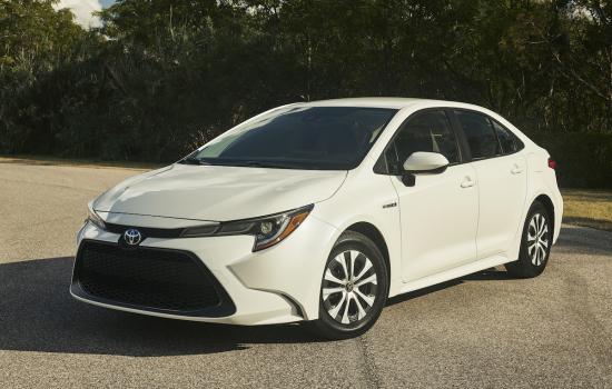 Corolla_Hybrid_013_E8752A42C66E156C23136C861E7A6BAF9B59801D