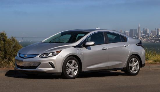 2019-Chevrolet-Volt-001
