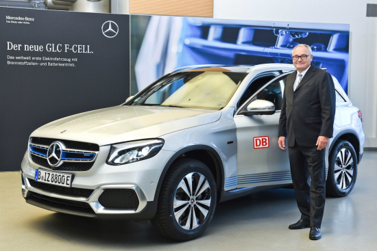 Mark Bröcker Head Of Procurement Remarketing Car Dealership Db Fuhrparkservice Gmbh Took Over One The First Glc F Cell In Berlin On Behalf