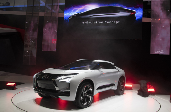 Mitsubishi Motors Showcases E Evolution Concept At La Auto Show