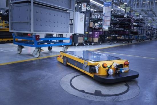 P90331115_lowRes_smart-transport-robo