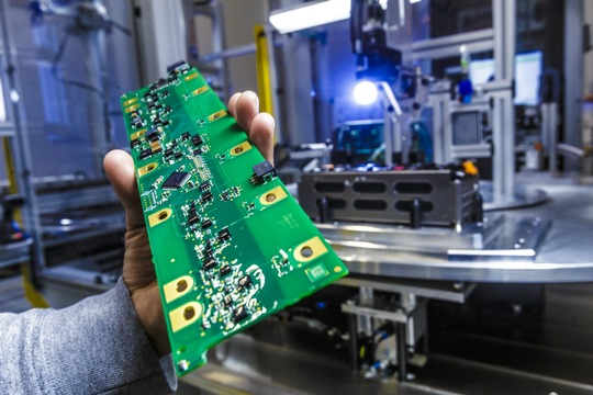 AKA Produktion Serien-Batteriesysteme Langen Foto Akasol - Alexander Heimann 14
