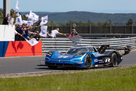 Volkswagen_ID.R_Sets_New_Electric_Record_On_The_Nrburgring-Large-9885-2