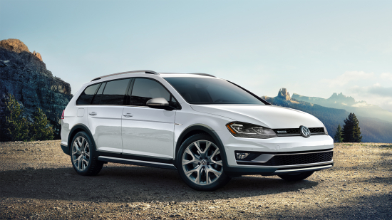 2019_Golf_Alltrack-Large-8762