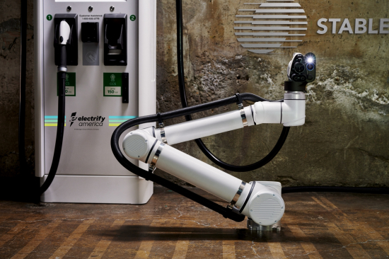 Small-Electrify-America-And-Stable-Announce-Collaboration-to-Deploy-Robotic-Fast-Charging-Facility-for-Self-Driving-Electric-Vehicle-Fleets-334
