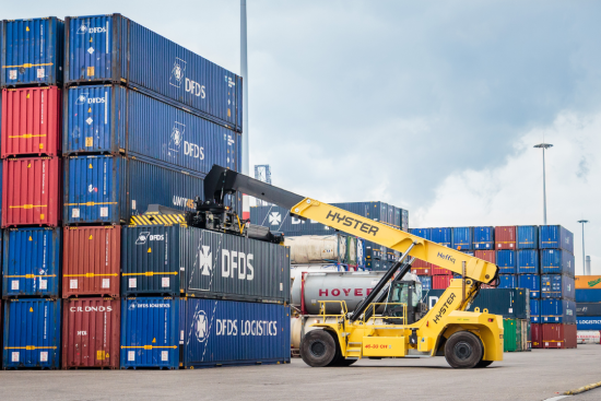Hyster to develop fuel-cell electric reachstacker for Port of Valencia