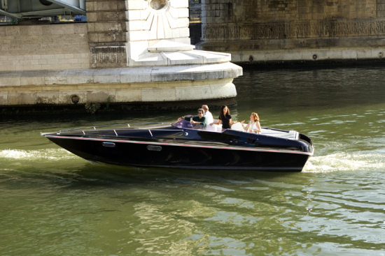 RENAULT SECOND LIFE BATTERIES POWER INNOVATIVE ALL-ELECTRIC PASSENGER BOAT (Lead)