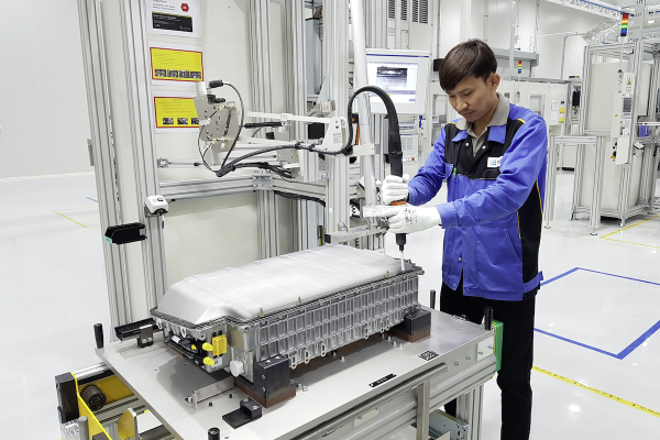 Mercedes-Benz Cars starts production of PHEV batteries in Bangkok; 3rd plant in global battery production network