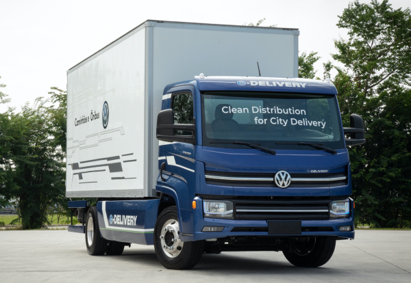 Volkswagen Caminhões e Ônibus announces partners for first series-produced electric truck: 14t e-Delivery
