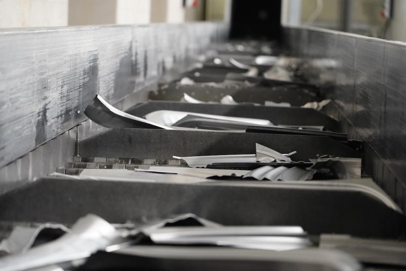 P90382654_highRes_aluminium-recycling-