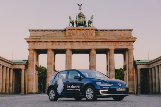 We-shareio-6073c5c8-ab7b-4fd2-946b-67f0539462af_weshare-electric-car-sharing-elektrisches-carsharing-elektro-auto-mieten-500x700-30
