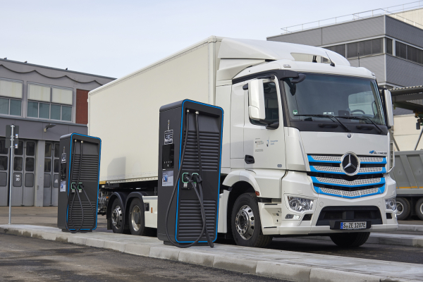photo of Daimler Trucks E-Mobility Group starts global initiative for electric-truck charging infrastructure image
