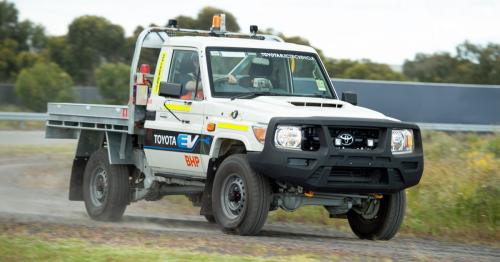 2021-Toyota-Land-Cruiser-70-Converted-EV-1-1200x628