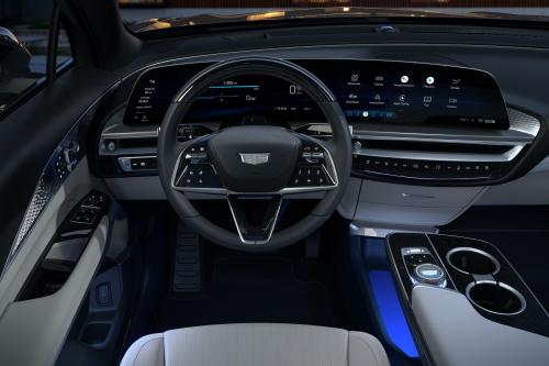 2023-Cadillac-LYRIQ-018