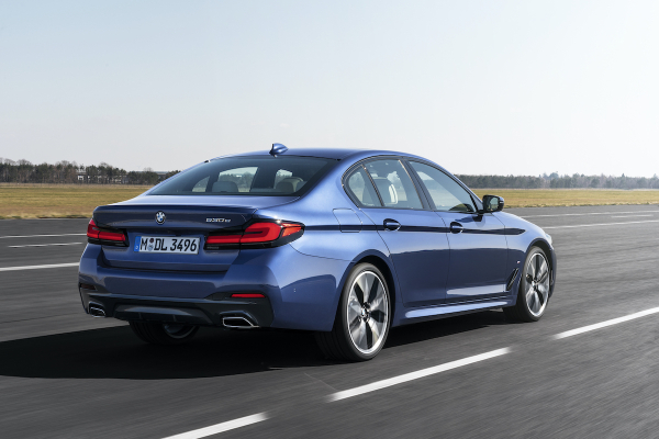 Updated Gen7 Bmw 5 Series Sedan Introduces New 48v Mhev System More Powerful Phev Green Car Congress
