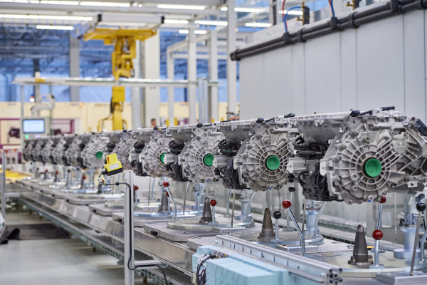 BMW Group opens Competence Center for E-Drive Production in Dingolfing and expands manufacturing capacity
