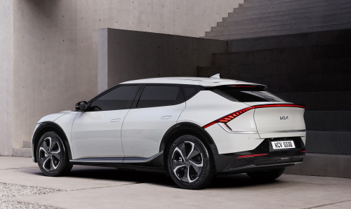 17211_Kia_reveals_new_design_philosophy_and_full_images_of_EV6