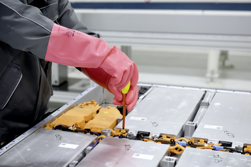 Large-12906-Batteryrecyclingpilotplant